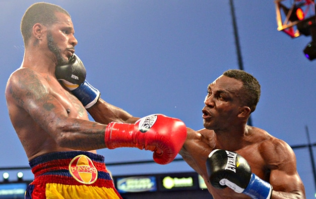Dirrell dethrones Bika in scrappy rematch